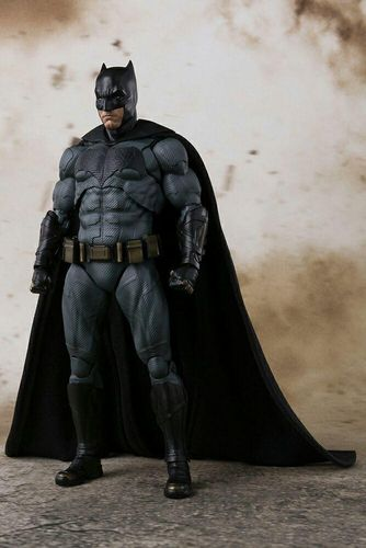 S.H.Figuarts Batman Justice League Action Figure Bandai